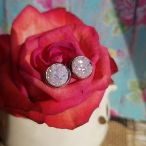 Jewelry - 8mm druzy earrings